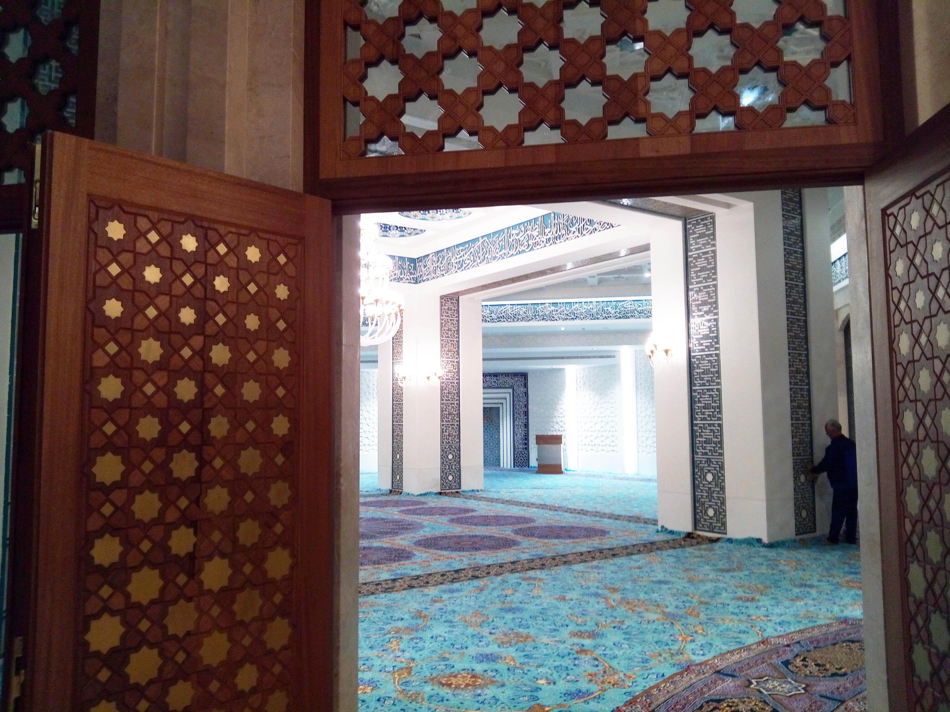 مسجد بازار بزرگ ایران (ایران مال)